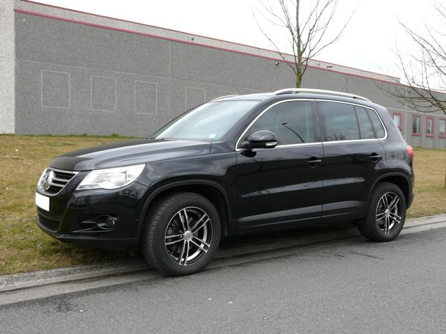 photo de tiguan avec jantes non origine volkswagen tiguan forum. Black Bedroom Furniture Sets. Home Design Ideas
